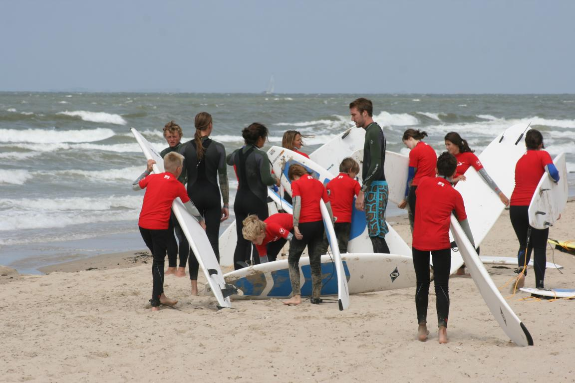 """Spaß am Strand und am Wasser für KIds: """"Moio Beach Funsportkampen"""" Cadzand-Bad"""
