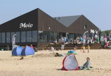 "Strandpavillon ""Moio Beach"" in Cadzand-Bad"