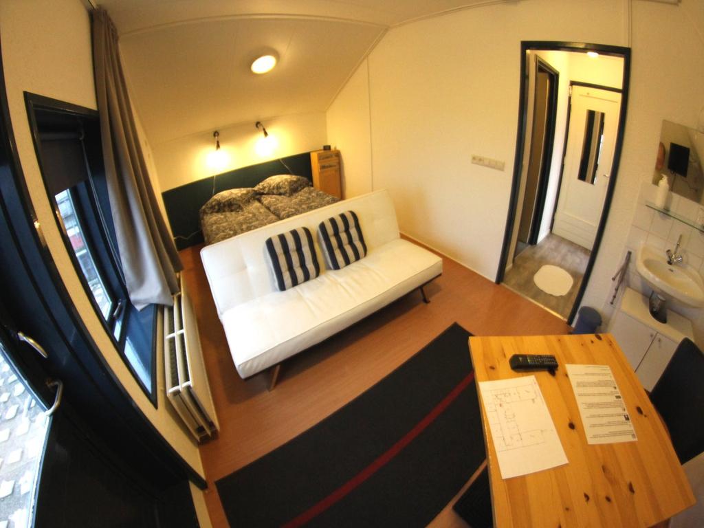 """Doppelzimmer mit Terrasse: Hotel """"de Drie Gevels"""" in Cadzand-Bad"""
