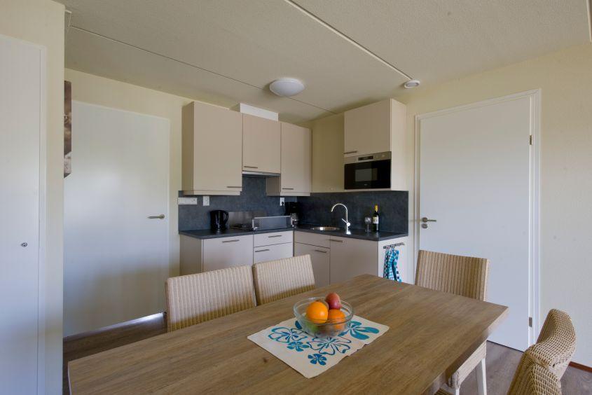 """Ferienhaus Typ CA5A in der """"Noordzee Residence Cadzand-Bad"""": Wohn- und Essbereich"""