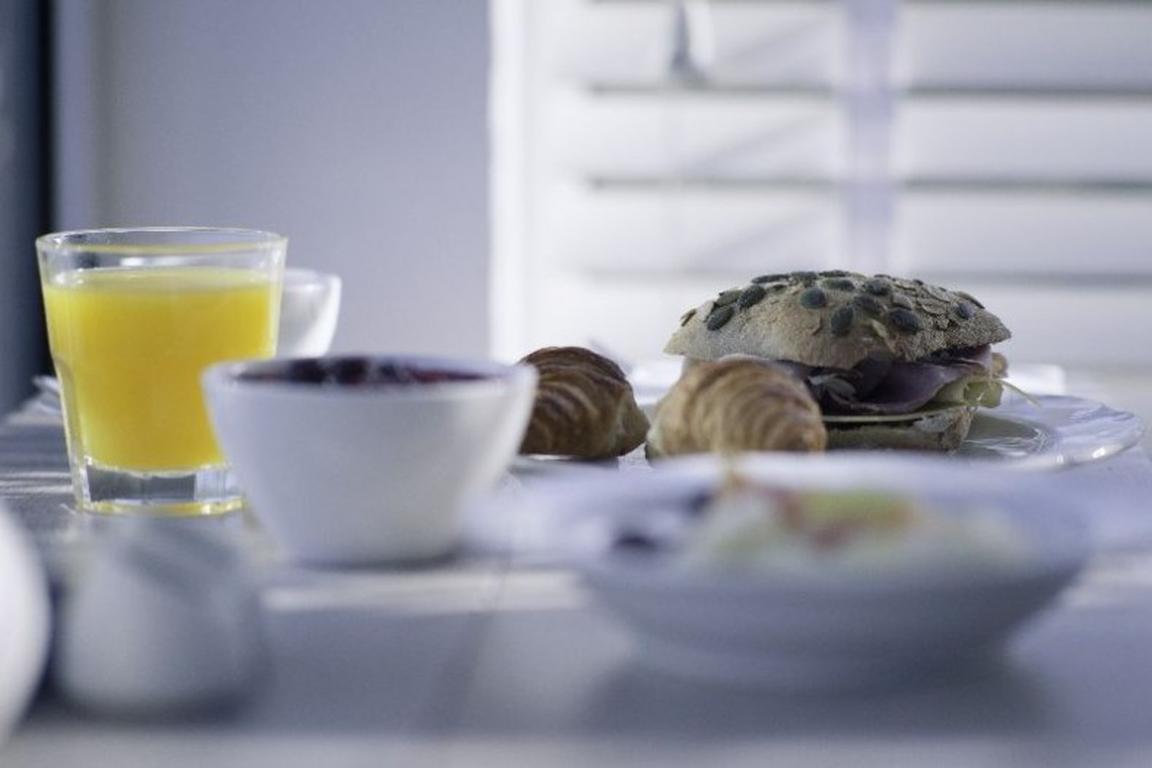 "Frühstücks-Buffet im ""Strandhotel"" Cadzand-Bad"
