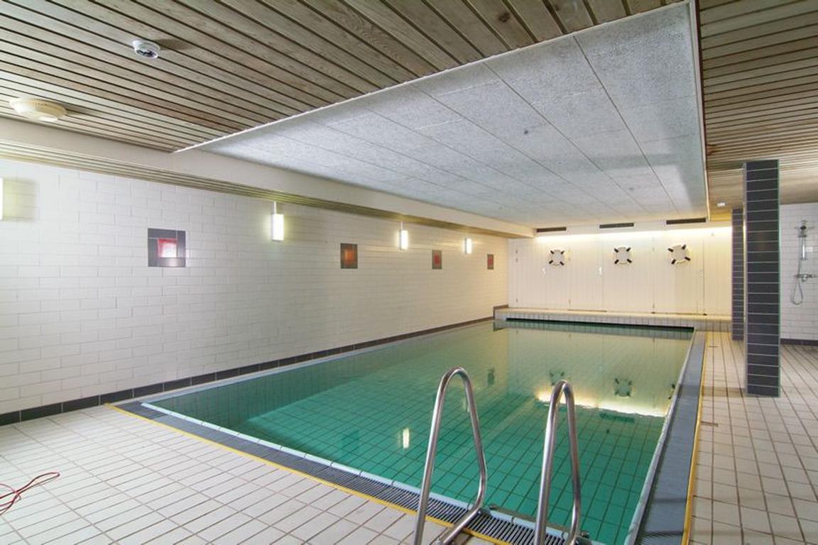 """Schwimmbad plus Sauna im Hotel """"De Wielingen"""" Cadzand-Bad"""