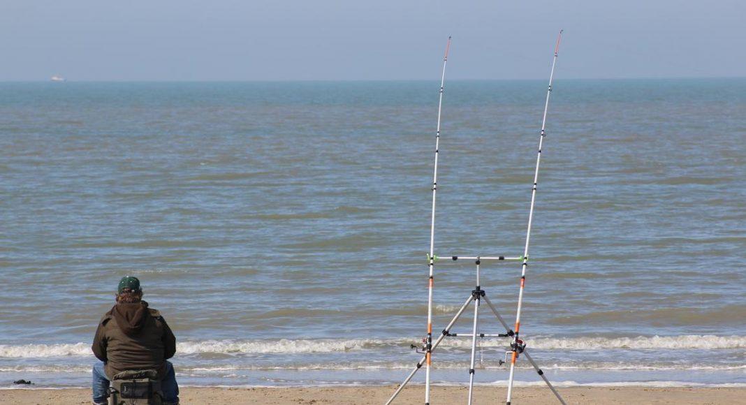Angler am Cadzand-Bad-Strand
