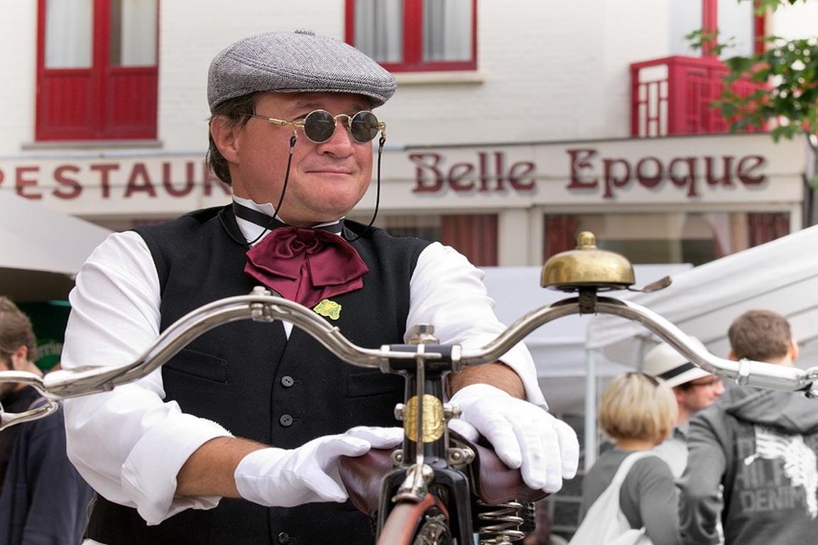 Belle-Epoque-Fest in De Haan: Oldtimerfahrer