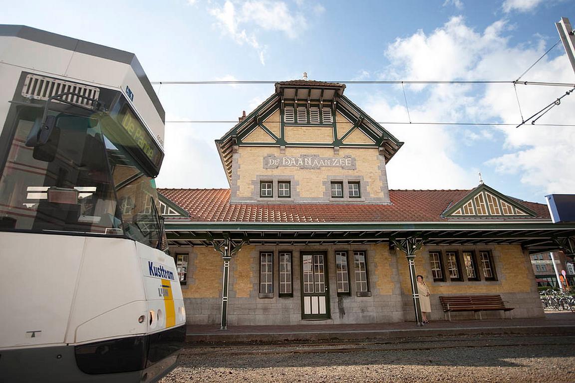 Belle-Epoque-Straßenbahnstation De Haan