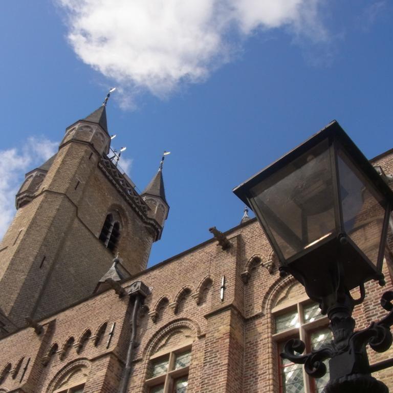 Belfried Belfort in Sluis: Mächtiger Turm beherrscht die Stadt