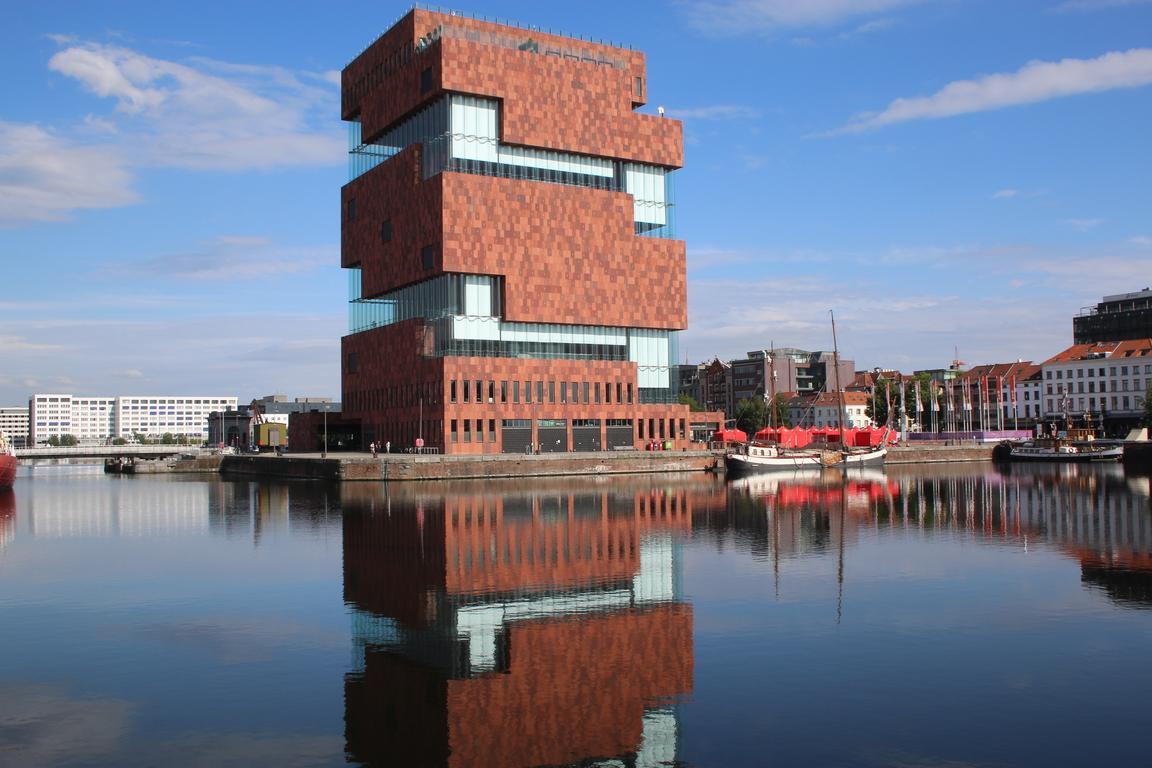 MAS - Museum aan de Strom in Antwerpen