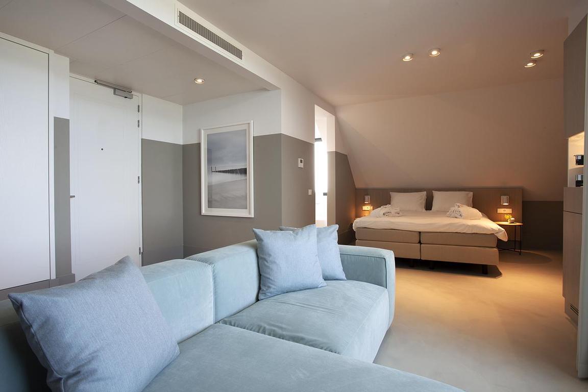 """Luxuriöse Zimmer und Suiten im """"Strandhotel"""" Cadzand-Bad"""