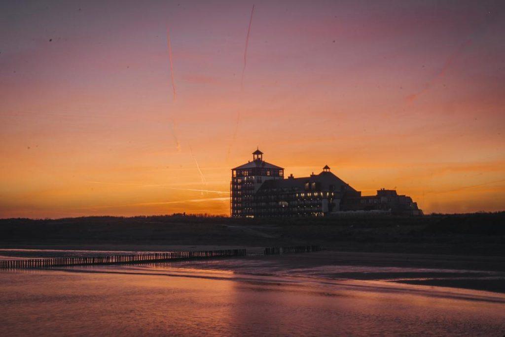 """Maritimer Luxus mit urbaner Atmosphäre im """"Strandhotel"""""""