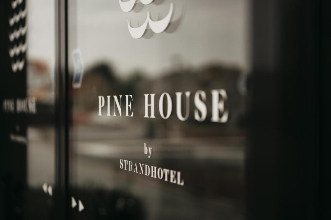 "Frühstücks-Restaurant ""The Pinhouse"" im ""Strandhotel"" Cadzand-Bad"