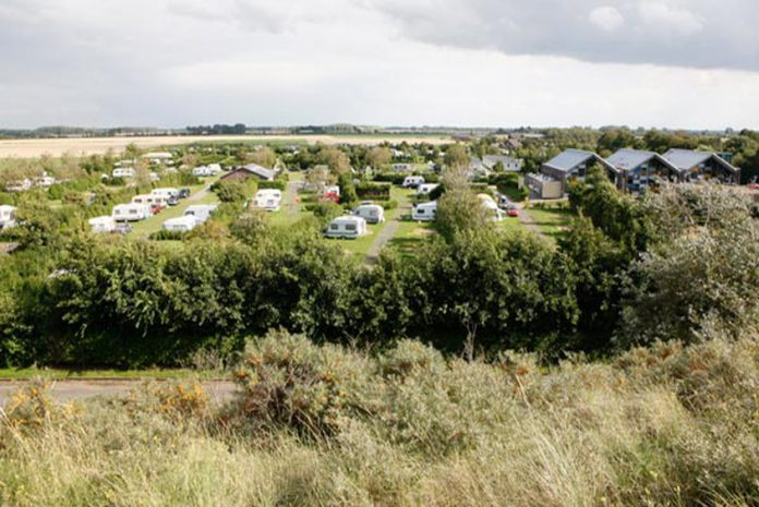 Camping mit Blick auf die Polder bei Cadzand-Bad: