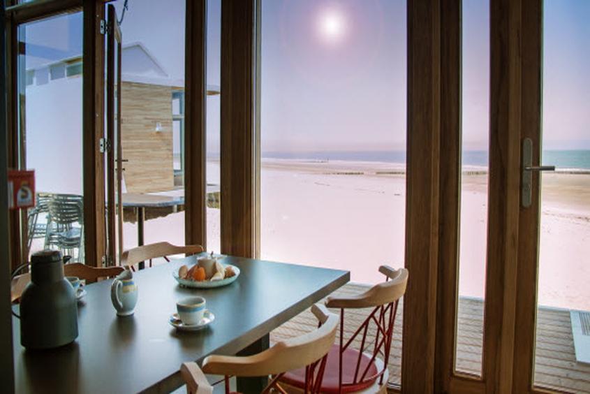 Vom Frühstückstisch direkt an den Strand: Strandhäuser Park Hoogduin Cadzand-Bad