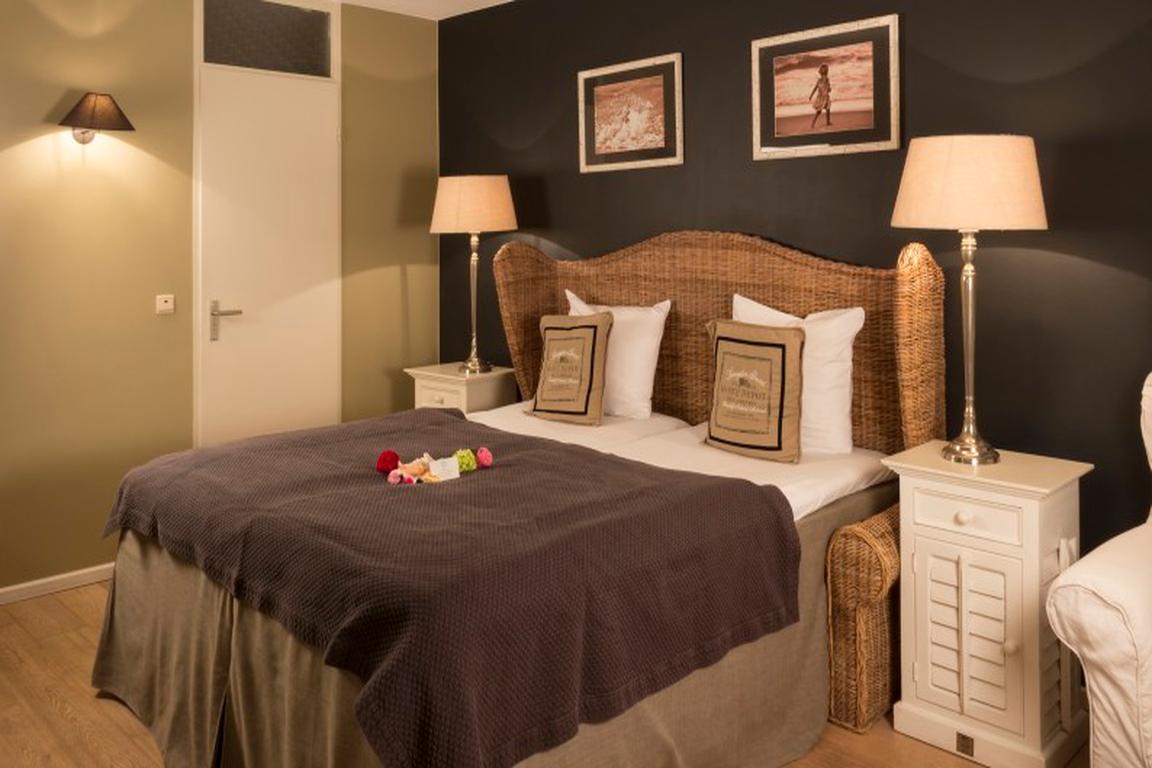 """""""New England Style"""" -Zweibettzimmer """"Hotel Noordzee"""" in Cadzand-Bad"""