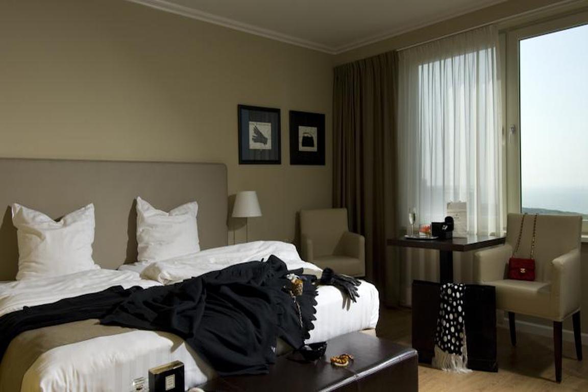 """Luxus-Doppelzimmer Meerblick Hotel """"de Wielingen"""" in Cadzand-Bad"""