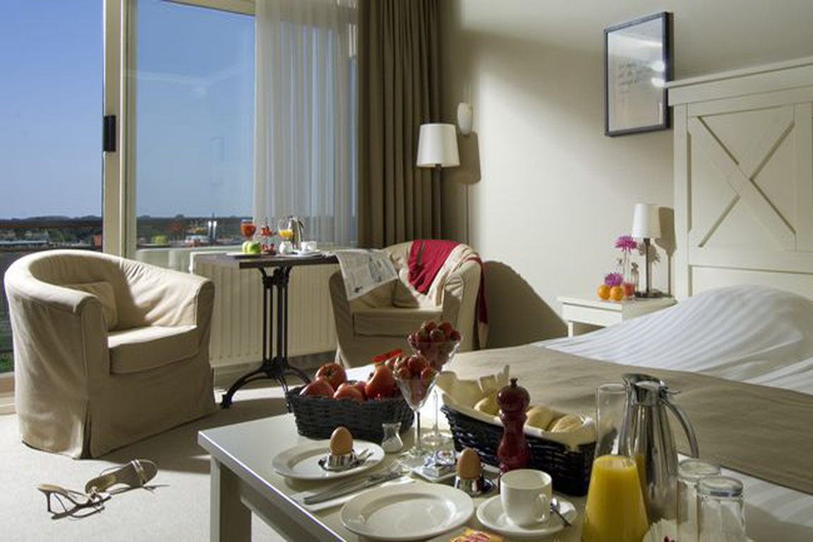 "Komfort-Doppelzimmer mit Landblick: Hotel ""de Wielingen"" Cadzand-Bad"