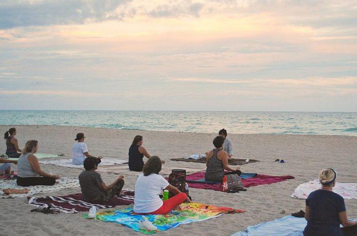 Sommer-Yoga in Cadzand