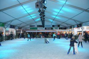 Überdachte Schlittschuhbahn Sluis @ Sluis Groote Markt | Sluis | Zeeland | Niederlande