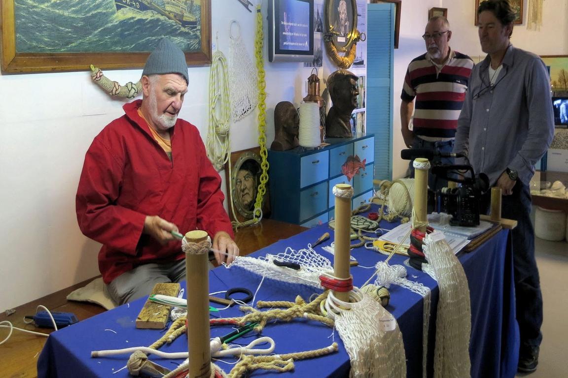 Fischernetzknüpfen im Fischereimuseum Breskens