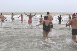 Neujahrstauchen und Anbaden Cadzand-Bad @ Strandpavillon De Zeemeeuw | Retranchement | Zeeland | Niederlande