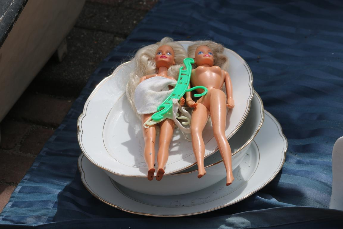 Barbie-Twins in Cadzand-Bad