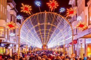 Weihnachtlicher Lichtertunnel in Oostende @ Oostende | Vlaanderen | Belgien