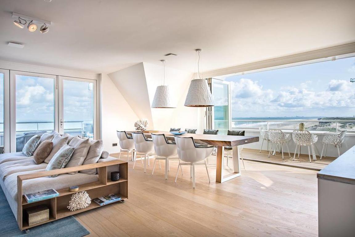 """Wohnbereich Luxus-Appartement """"C-View"""" Cadzand-Bad"""