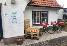 Cadzand-Bad: Giftshop & Radverleih